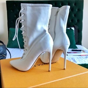 Steve Madden white lace leather ankle boots